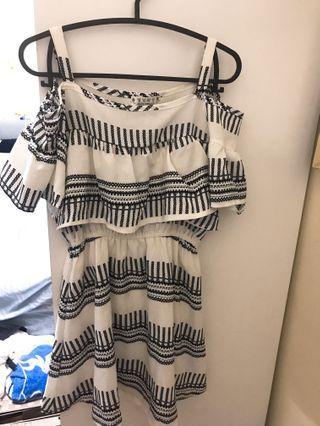 線條感洋裝