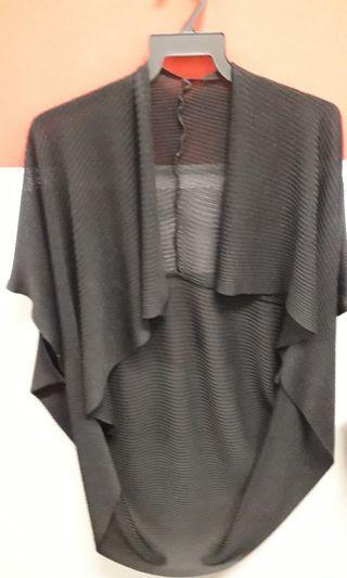 🚚 2 Ladies' Coats