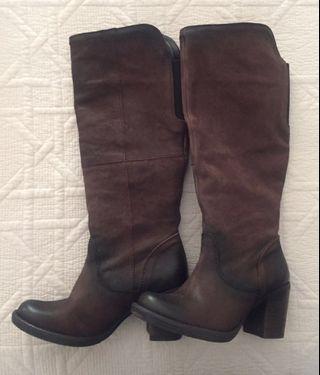 Wittner  Brown Knee high Suede Boots