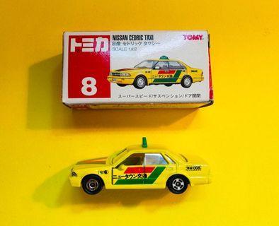 Tomica Nissan Cedric Taxi