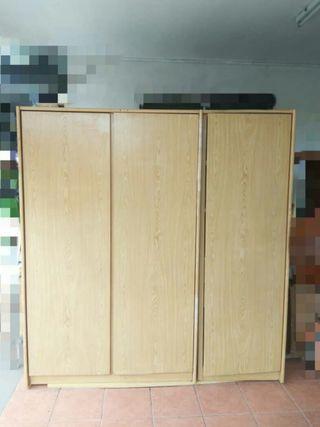 Wooden 3 Door Clothes Cupboard/ Wardrobe