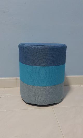 Blue gradient round stool