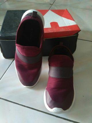 Shoes maroon
