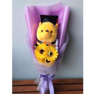 🚚 [INSTOCK] Plush Doll Sunflower Graduation Bouquet Gift | Soap Flower Bouquet | Winnie the Pooh Toy | FREE GIFT CARD