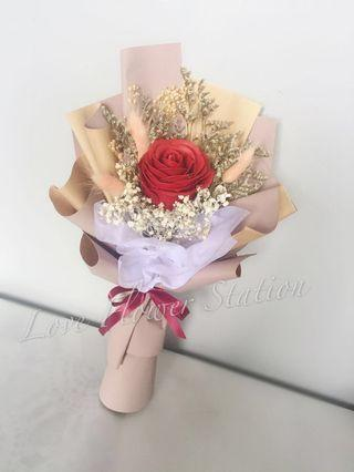 Red Soap Rose with Dried Flower Bouquet/ Graduation Flower Bouquet/ Birthday Flower Bouquet/ Dried Flower Bouquet / Teachers Day Flower Bouquet