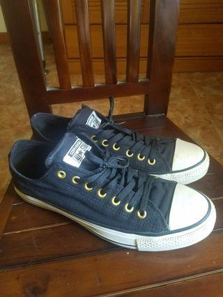Converse canvas short black ring gold size 42 mulus