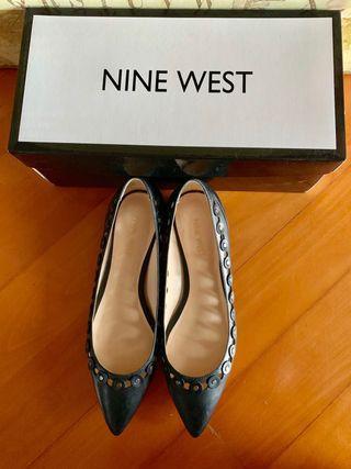 Nine West black leather flats