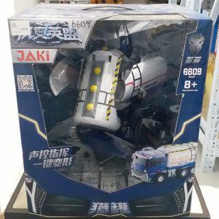 🚚 Oil Tanker Transformer Robot