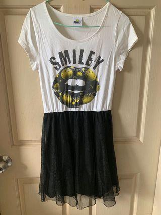 微笑拼接紗裙個性洋裝