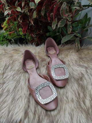 Authentic Roger Vivier Dorsay In Light Pink Satin Ballerina Flats Size 34 to 35