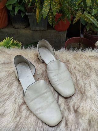 Authentic Cole Haan OffWhite Leather Mules Size 9
