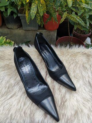 Authentic YSL Yves Saint Laurent Black Pointed Kitten Heel Pumps Size 39