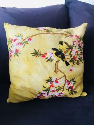 cushion with oriental cover (washable)