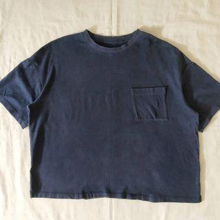 Uniqlo cropped pocket tee