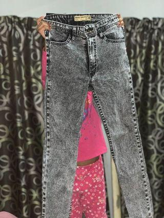 Miss hotty jeans