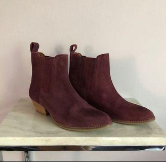 Chelsea Boots 8.5