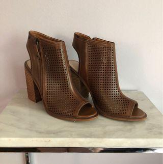 Kelsey Dagger Heeled Sandals 8.5