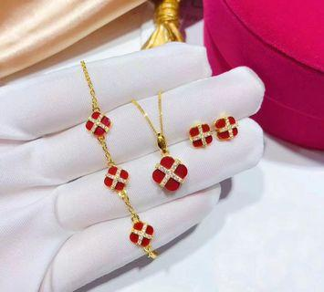 Real 999 gold ➕ agate  four-leaved clover