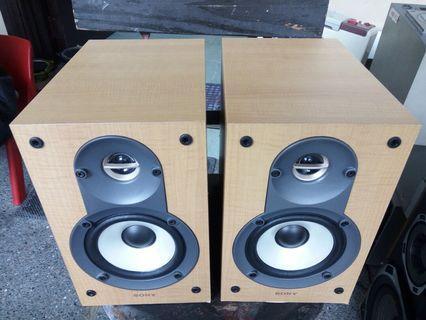 Sony wooden bookshelf speaker from japan
