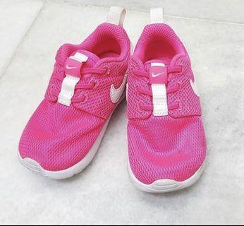 Nike Roche