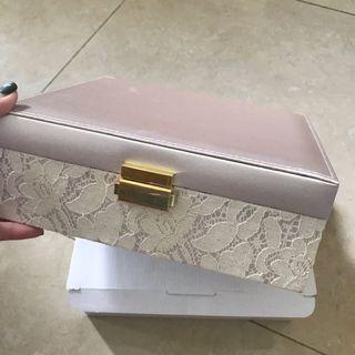 Japan 🇯🇵 FRANC FRANC 蕾絲粉紅系 大化妝品收納箱 Jewelry Box