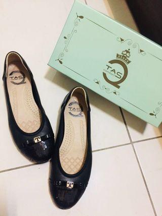 TAS黑色亮片平底鞋(尺寸:24)