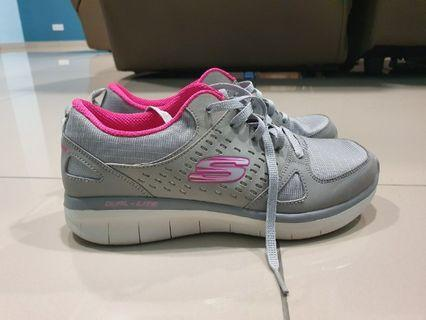 AUTHENTIC SAMPLE SHOES OF SKECHERS FOR SALES!