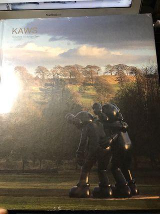 KAWS Yorkshire Sculpture Park 展覽書 (英文版)