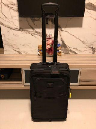 🚚 Tumi Cabin Trolley Bag for SALE 99% NEW