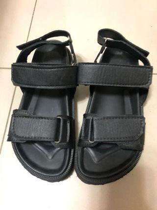 🚚 女黑色基本款涼鞋