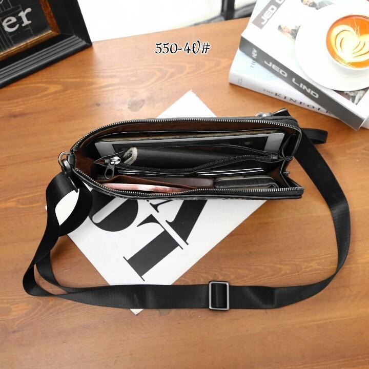 BV Pouch Document 550-4V#22  H 380rb  Bahan kulit sapi (woven cowhide) Dalaman suede tebal Kwalitas High Premium AAA Pouch uk 29x2x19,5cm Berat 0,5kg  Warna : -Black