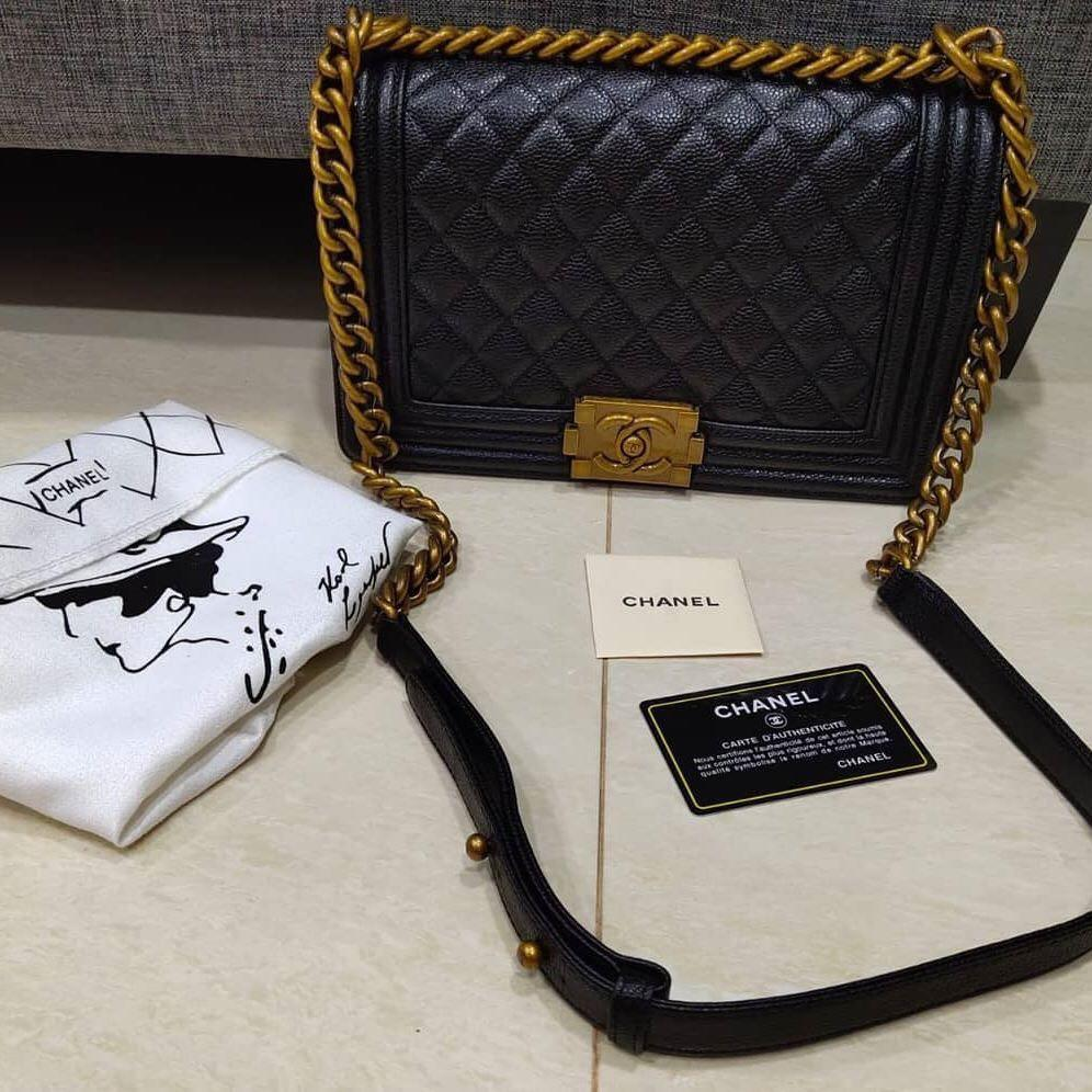 Chanel Boy Caviar Original bahan kulit asli ada nomor seri VVGC Like New