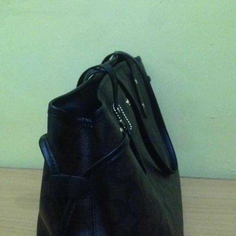 Coach Totebag Authentic (F57642) bahan kulit asli ada noser & Like New