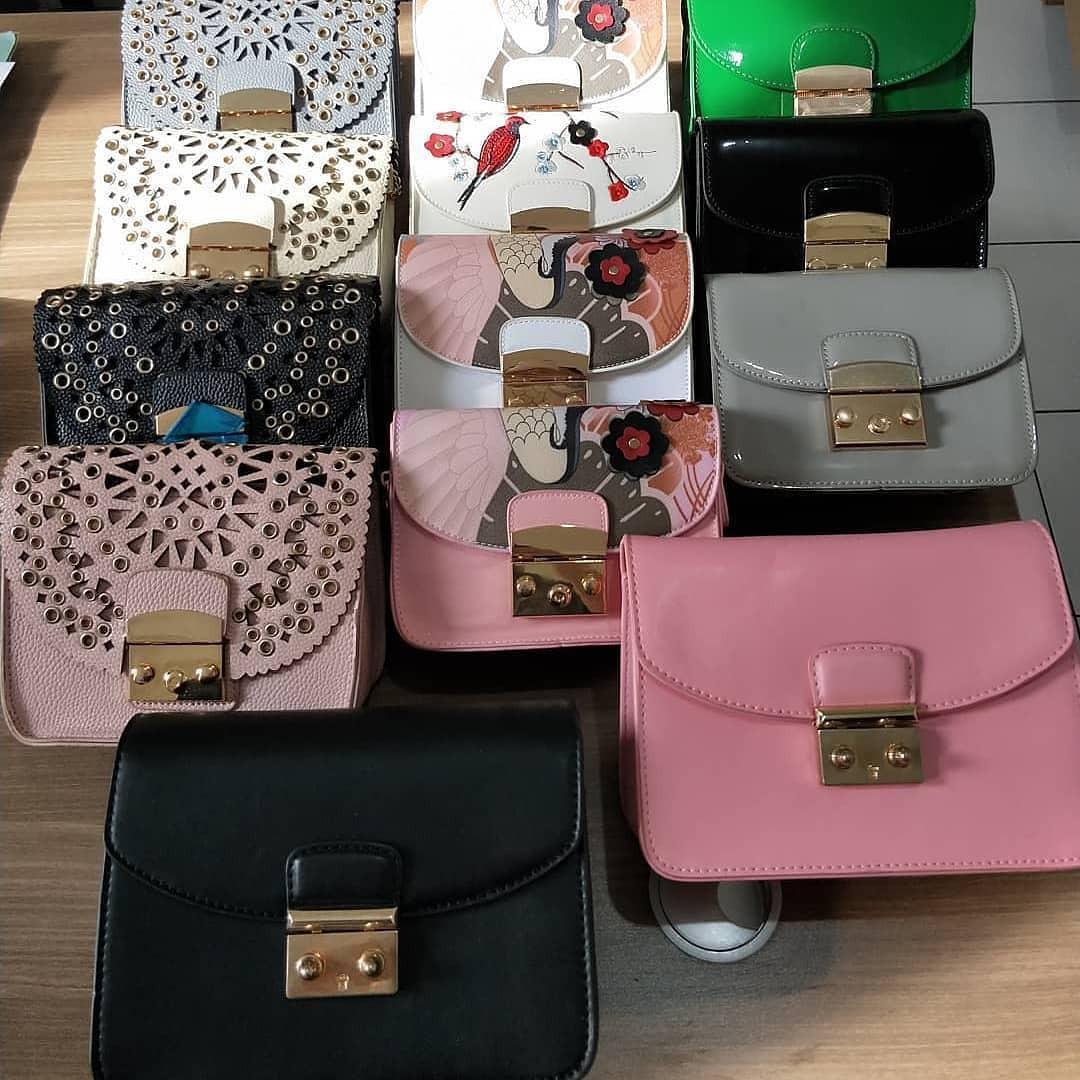 Distributor pakaian tas bekas impor