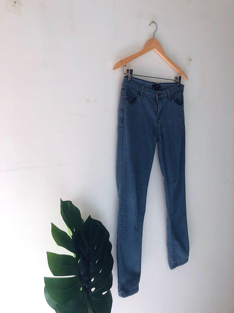 Low Waisted Jeans