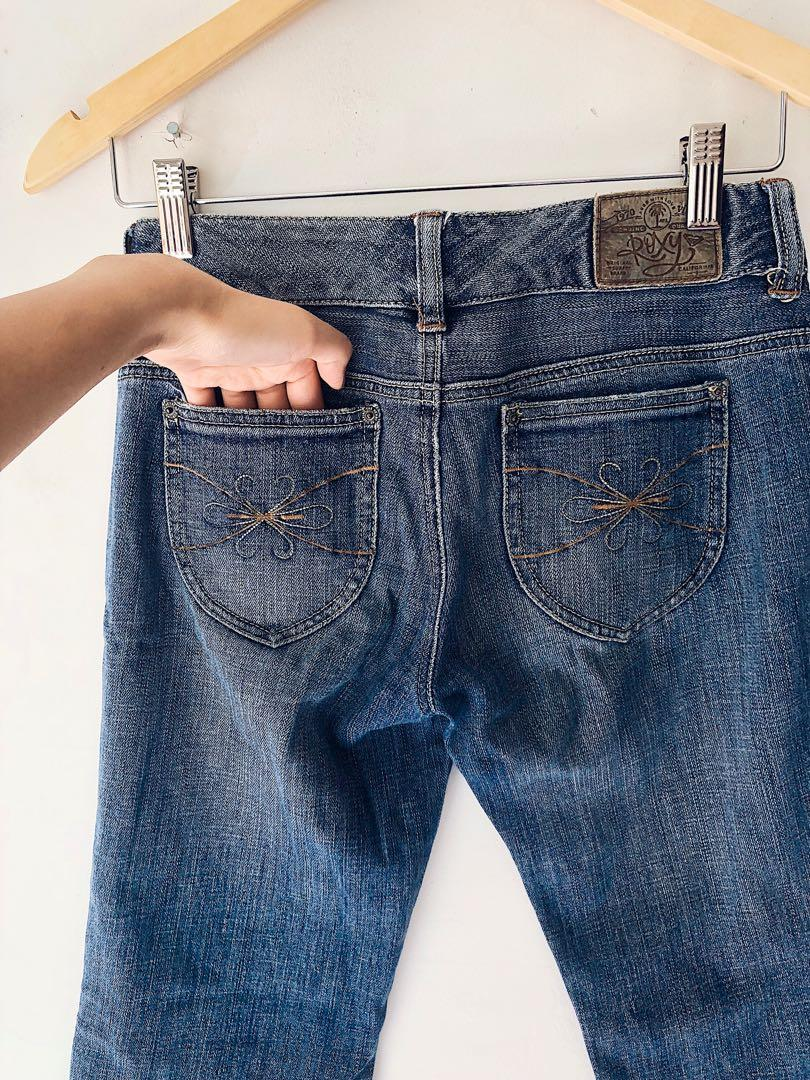 Low Waisted Three Quarter Jeans