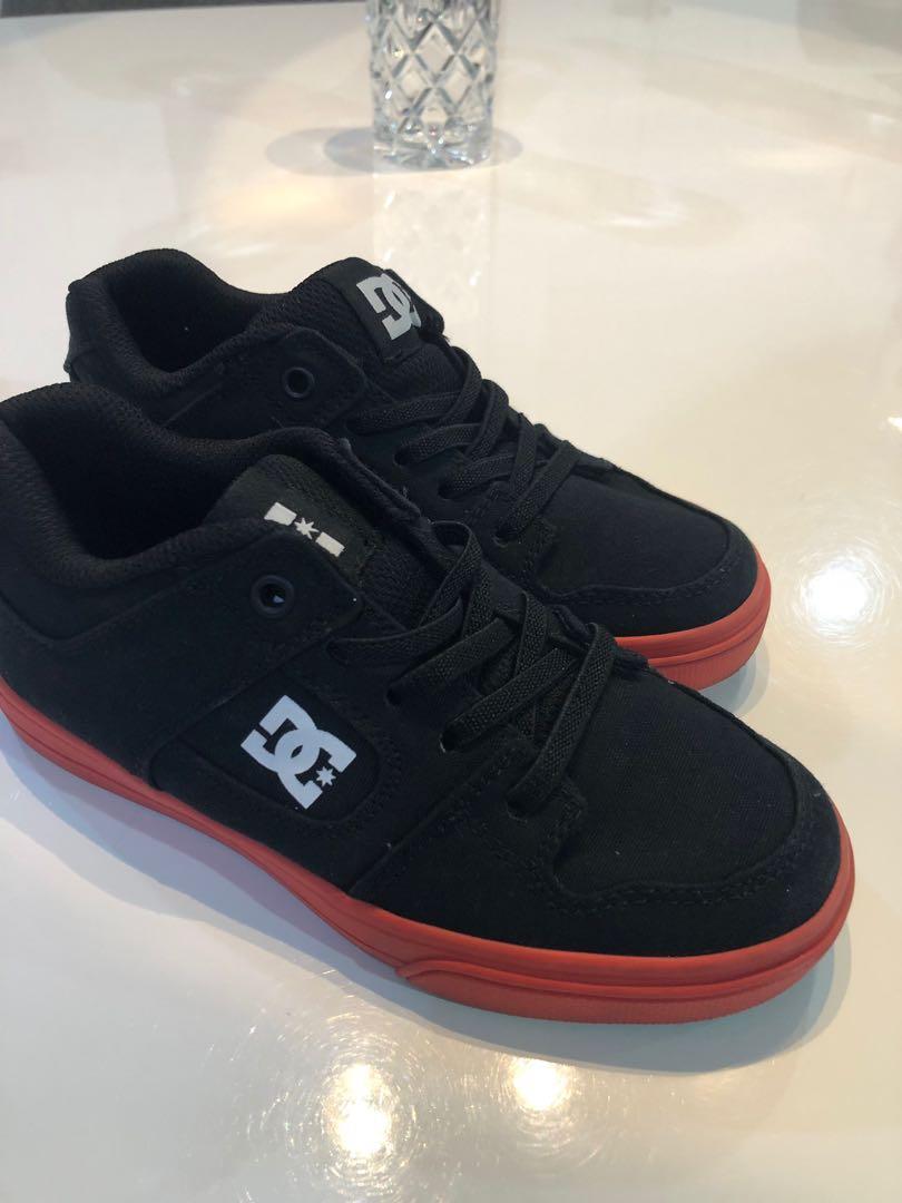Sepatu anak original 💯% like a new size by request