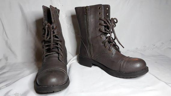PAYLESS- BRASH Winter Boots