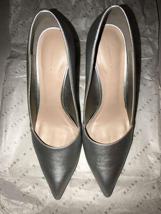Iridescent glass heels in silver grey-ish