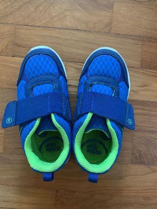 Stride rite boys shoes 9M size