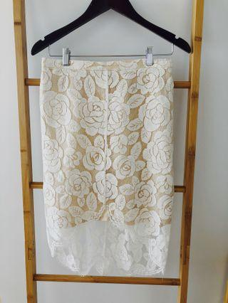 Lover lace skirt