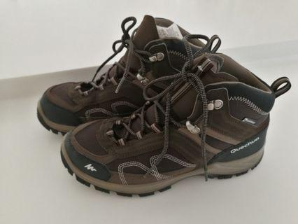 Quechua waterproof men hiking boots