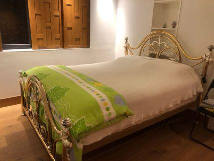 Classic antique Queen size bedframe (made in Italy) 古典華麗床架