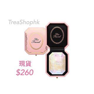 Instock Too faced  Diamond highlighter