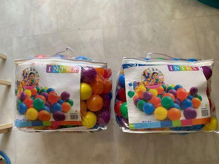 Fun balls for cribs and play pens