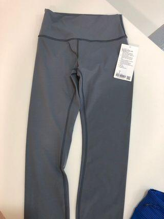 Lululemon Leggings wunder under size 6