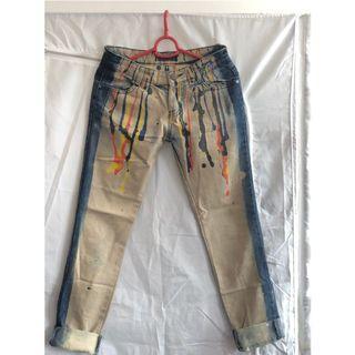 潮款窄腳牛仔褲