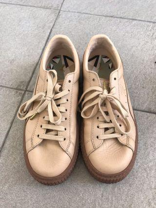 Women leather sneakers shoes Puma Pink - size 39
