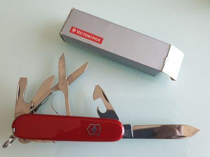 🚚 Victorinox Swiss Army Knife