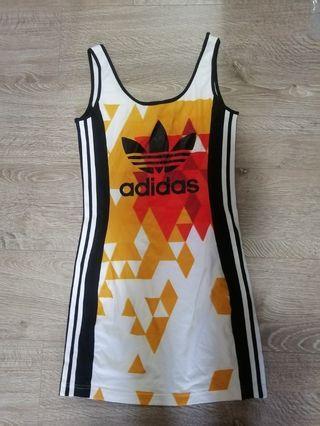 Adidas愛迪達洋裝uk10